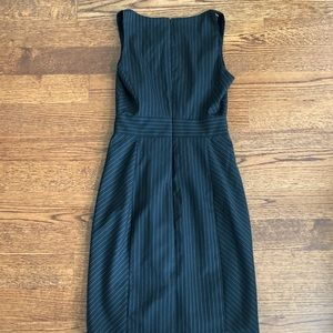 Banana Republic Dresses - NWT Banana Republic Pinstripe Sheath Dress Sz 0